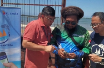 XL Axiata – KKP Bersihkan Pantai dan Sosialisasi Aplikasi Laut Nusantara