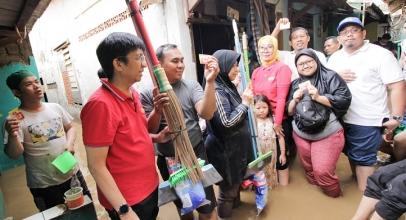 Indosat Ooredoo Dirikan Posko Pengobatan dan Telepon Gratis