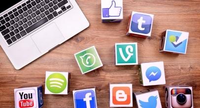 Selebritas Dunia Yang Keranjingan Media Sosial