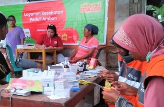 Mobil Klinik Indosat Bantu Korban Gempa Maluku