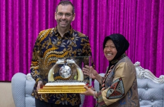 Indosat Ooredoo Tingkatkan Telanta Digital Warga Surabaya