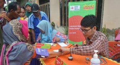 Indosat Ooredoo Bantu Pengungsi Bencana Banjir Samarinda dan Konawe