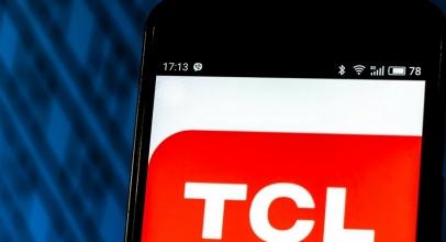 TCL Buka Wacana Smartphone Layar Geser