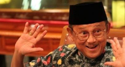 BJ Habibie Juga Bapak GSM Indonesia