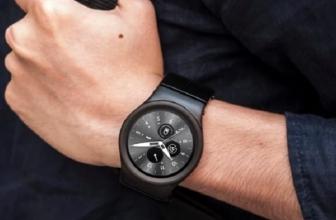 Blocks, Smartwatch Modular Pertama