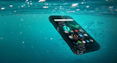 5 Smartphone Ini Bisa Kamu Ajak Berenang Lho!