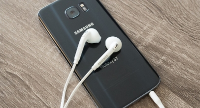 Cara Membedakan Earphone Samsung Asli dan Palsu