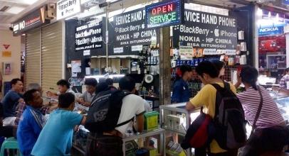 Jelang Lebaran, Penjualan Handphone Second Meningkat