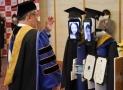 Seru! Wisuda Social Distancing via Video Conference dan Robot