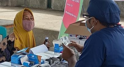 Mobil Klinik Indosat  Bantu Korban di Kawasan Terdampak Banjir