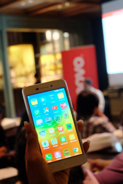 Lenovo S60 Ramaikan Ponsel Fashion di Indonesia