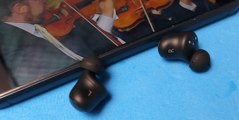 Review 1More ColorBuds, Desain Fashionable, Audio Menengah