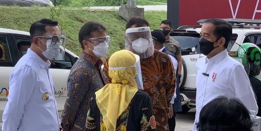XL Corner: Presiden Jokowi Tinjau Sentra Vaksinasi di Depok