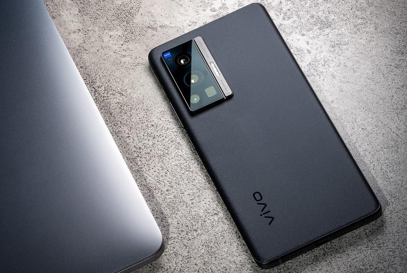 Ada Zeiss Optic di Punggung Vivo X70 Pro